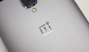 وانپلاس 5 با 6 گیگابایت رم و پردازنده اسنپدراگون 835 در آنتوتو مشاهده شد