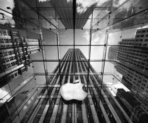 نزاع قانونی اپل و نوکیا