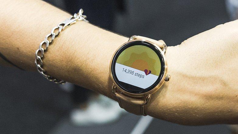 itresan-ifa-fossil-smartwatch-q-0396-w782 آیا ساعتهای هوشمند به پایان عمر خود نزدیک شدهاند؟