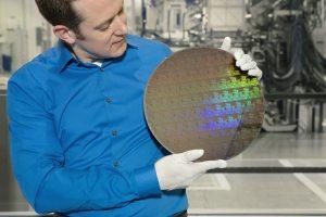 شرکت IBM امکان ساخت تراشههای 5 نانومتری با شارژدهی باتری 2 تا 3 برابری را ممکن میسازد!