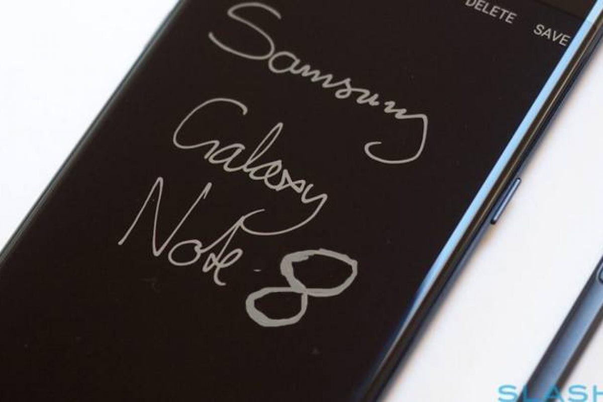 سامسونگ، گلکسی نوت ۸ را همراه با یک کیس مخصوص عرضه خواهد کرد