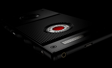 کمپانی Red از گوشی هوشمند ماژولار Hydrogen One با قیمت 1200 دلار پرده برداشت
