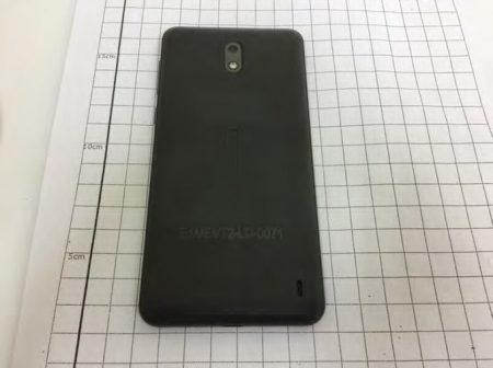 Nokia-2-back-450x336 اولین تصاویر رسمی از نوکیا 2 منتشر شد
