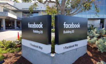 فیسبوک: تصمیمی برای تولید اتومبیل خودران نداریم