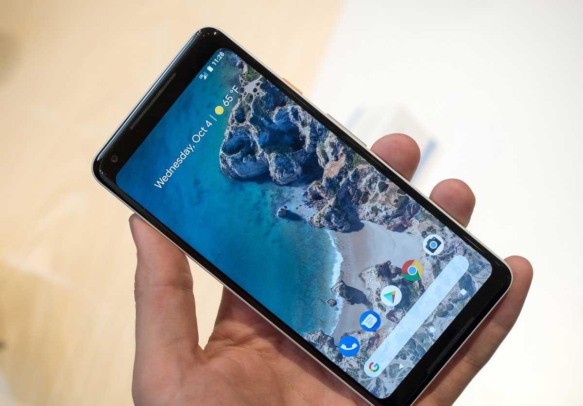 google-pixel-2-xl-white-hands-on-6 برترین گوشی سال 2017 از دیدگاه نویسندگان آیتیرسان
