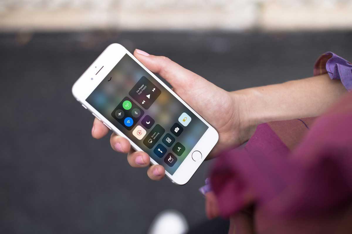 اپل بهروزرسانی iOS 11.0.3 را برای آیفون و آیپد عرضه کرد