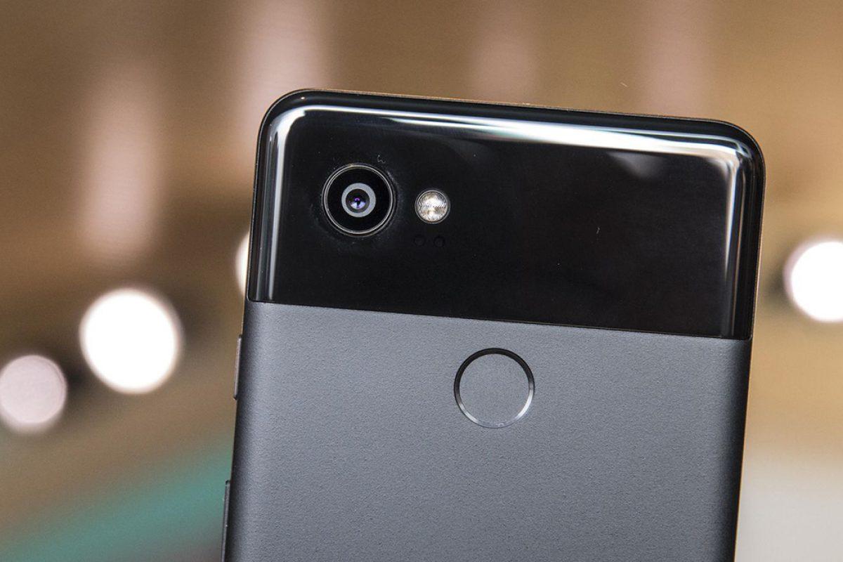 دوربین گوشی هوشمند گوگل پیکسل ۲ با نور LED مشکل دارد!