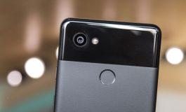 دوربین گوشی هوشمند گوگل پیکسل 2 با نور LED مشکل دارد!