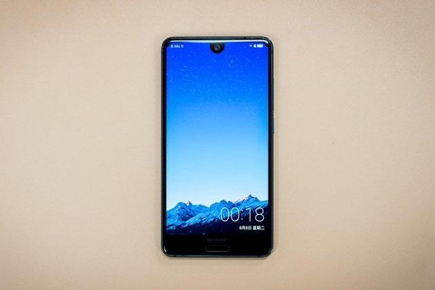 شارپ قصد دارد تا اسمارتفونی با بیشترین نسبت صفحه نمایش به بدنه را در ماه ژانویه معرفی کند