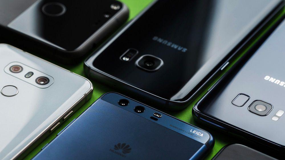 AndroidPIT-BEST-SMARTPHONES-2017-close-up راهنمای خرید گوشی هوشمند با بودجه 2 تا 3 میلیون تومان (مهر ماه 97)