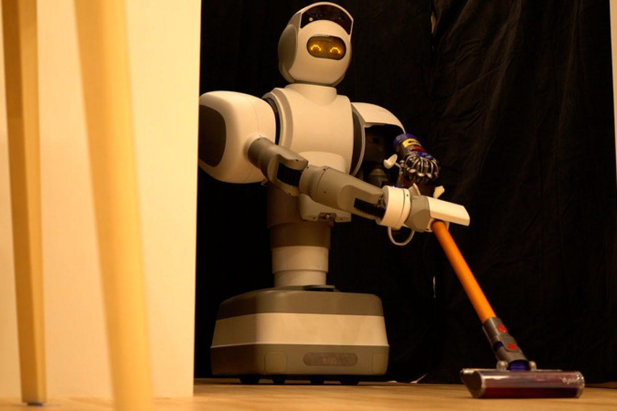 معرفی یک ربات پیشرفته با قابلیت نظافت منزل و انجام امورات شخصی شما