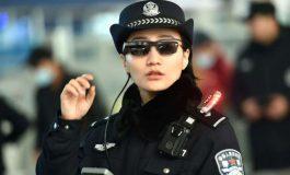 پلیسهای چینی به عینکهای هوش مصنوعی برای شناسایی مجرمان در بین جمعیت مجهز میشوند
