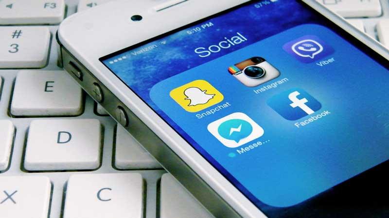 social-3045041-poster-p-1-fast-company-is-hiring-a-social-media-producer-1024x576 مزایای اینستاگرام برای برندها و اصول فعالیت کسب و کارها