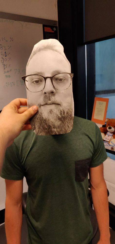 DeYBhvwW0AENN47 سیستم تشخیص چهره وانپلاس 6 با یک تصویر پرینت شده فریب میخورد!