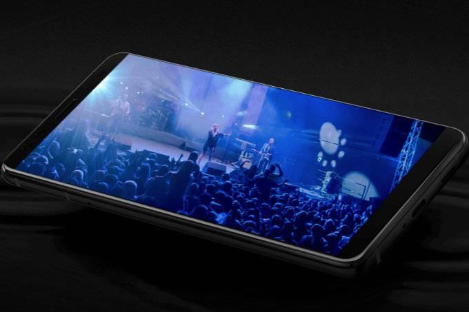 HTC-U12-doesnt-have-a-USB-Type-C-to-3.5mm-adapter-in-the-box در جعبه گوشی اچتیسی U12 پلاس خبری از مبدل یواسبی به جک هدفون نیست!