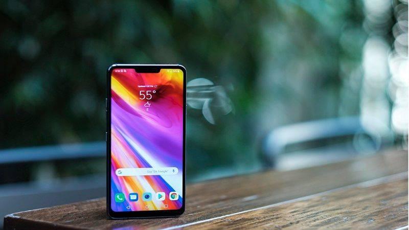LG-G7-Hands-On-3-of-18-compressed 4 دلیل برای اینکه الجی G7 ThinQ را بخریم!