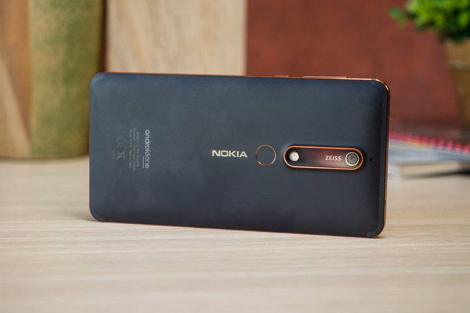 Nokia-6.1-Review-036 نوکیا 6.1 با 4 گیگ رم و 64 گیگ حافظه، درسکوت به بازار اروپا وارد شد
