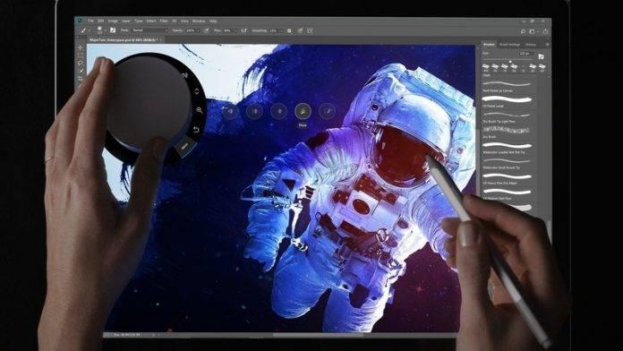 Adobe-Photoshop-iPad نسخه کامل فتوشاپ در سال 2019 برای آیپدهای اپل عرضه میشود