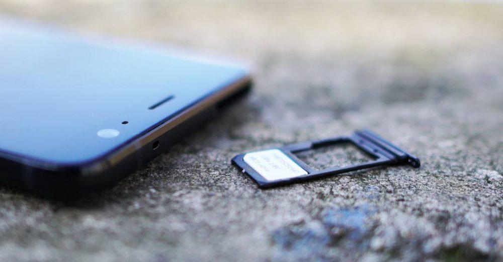 HTC-U11-Plus-SIM-microSD-slot-1000x521 معرفی نسل جدید حافظهها: LPDDR5 ،UFS 3.0 و SD EXPRESS