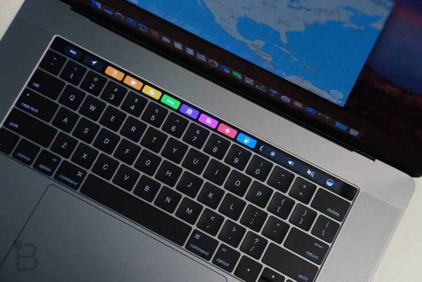 MacBook-Pro-Touch-Bar-Review-6-e1531638278331 صفحهکلید مکبوک پرو جدید کارکردی تقریبا مشابه با نمونه قدیمی خواهد داشت