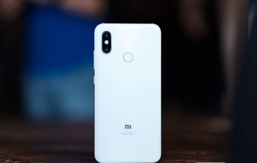 Xiaomi-Mi-8-1-of-42-1000x667 3 دلیل برای آنکه شیائومی Mi 8 را نخریم!
