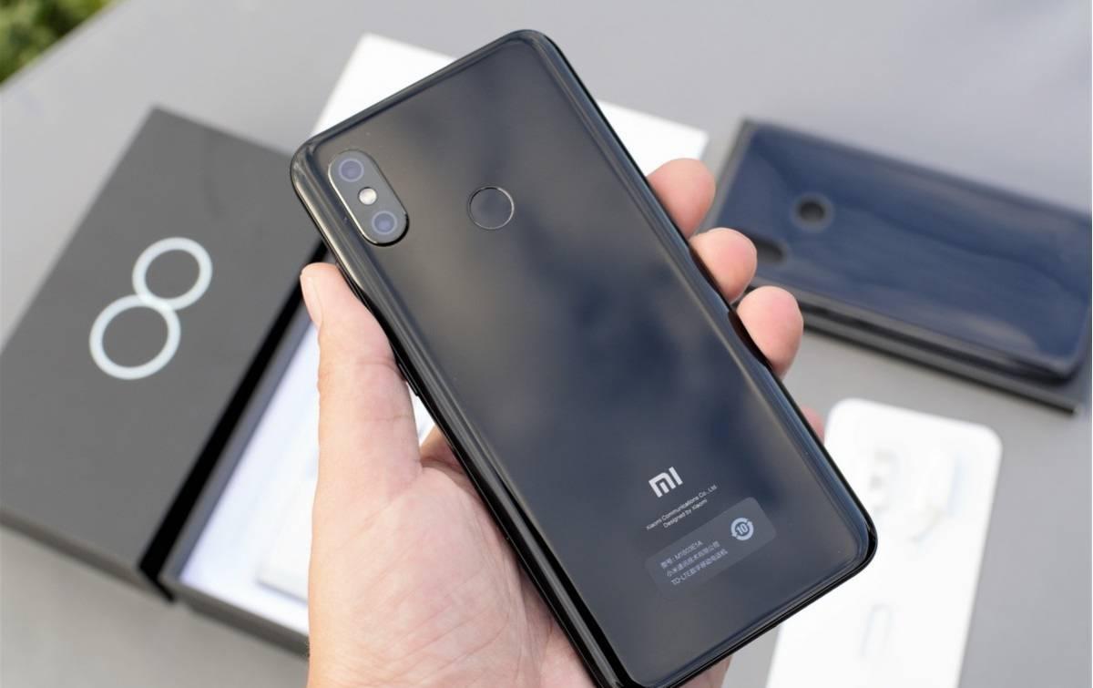 Xiaomi_Mi_8_15 3 دلیل برای آنکه شیائومی Mi 8 را نخریم!