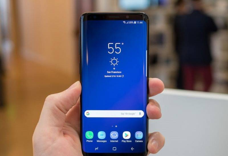 samsung-galaxy-s9-plus-black-front-home-screen چگونه اندروید 9 را بر روی گوشی گلکسی S9 پلاس نصب کنیم؟
