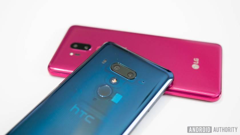 HTC-U12-vs-LG-G7-ThinQ-3-840x472 کلیه کارهای جالبی که میتوان با یک دوربین سهگانه انجام داد