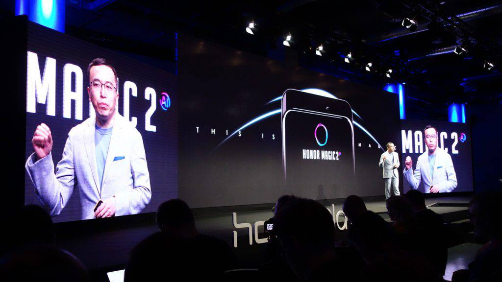 Honor-Magic-2-unveiled-at-IFA-2018-1024x576 هواوی در کنفرانس IFA 2018 اطلاعات جالبی را در رابطه با آنر مجیک 2 ارایه کرد