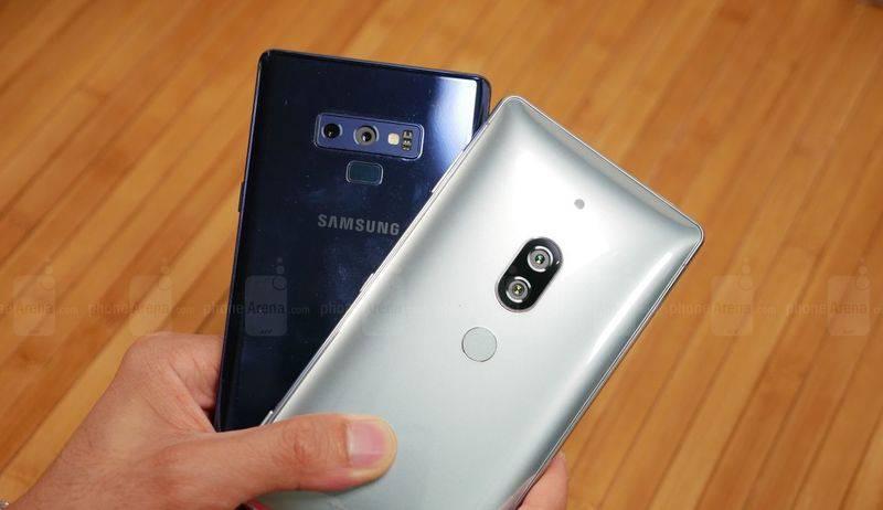 Samsung-Galaxy-Note-9-vs-Sony-Xperia-XZ2-Premium-13-of-19 مقایسه گلکسی نوت ۹ با اکسپریا XZ پریمیوم؛ نبرد لاکچریها!