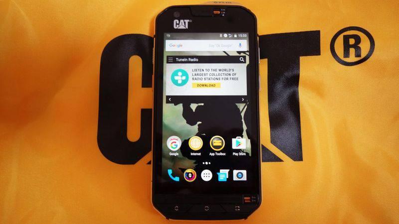 cat-s60-1-4-1220x687 چند دلیل برای آنکه بدانید گوشیهای کاترپیلار ارزش خرید ندارند!