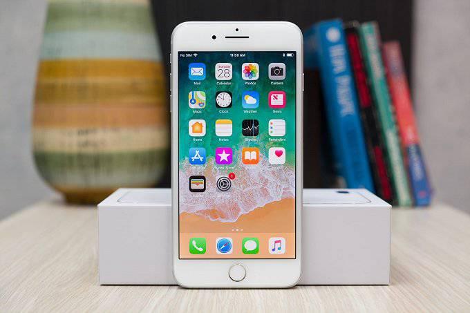 iPhone-8-Plu حداقل قیمت آیفون جدید اپل ۶۹۹ دلار خواهد بود!