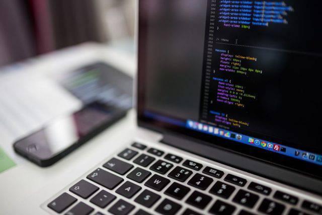 programming-640x427 با فناوری جدید یادگیری ماشین میتوان اقدام به شناسایی هکرها کرد!