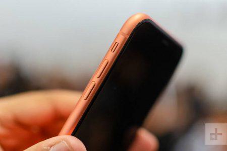 Apple-iPhone-Xr-Preview-Mojtaba-24-450x300 بررسی اولیه آیفون Xr اپل: تعریف سیبها از گوشی اقتصادی!