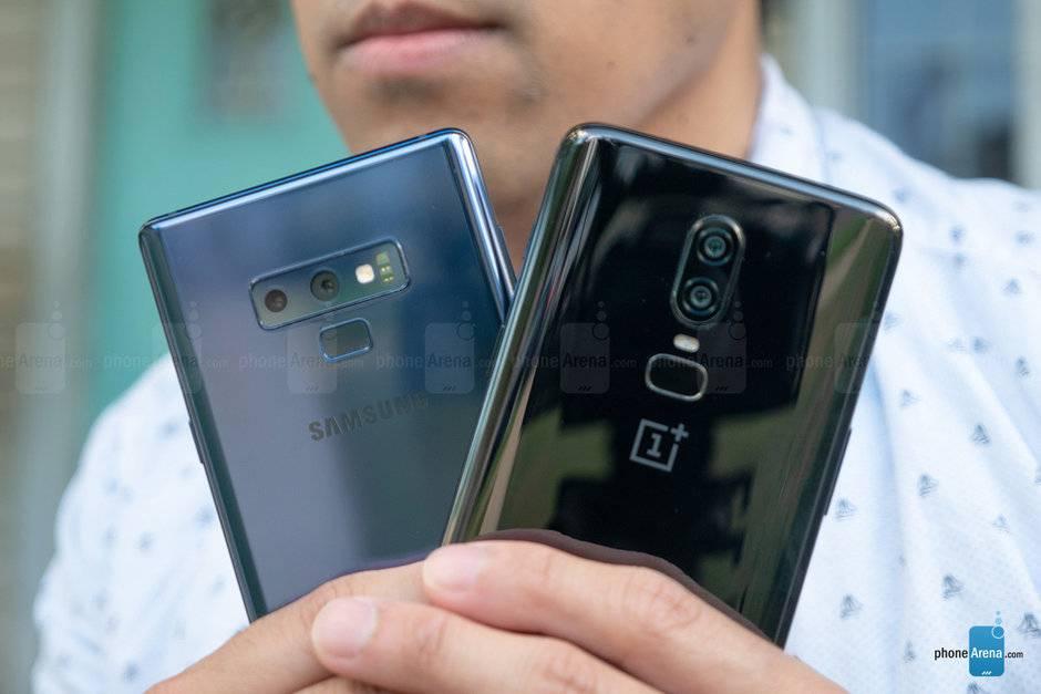 Samsung-Galaxy-Note-9-vs-OnePlus-6-014 بنابر چه دلایلی احتمالا گوشی آینده شما یک پرچمدار جدید نخواهد بود؟!