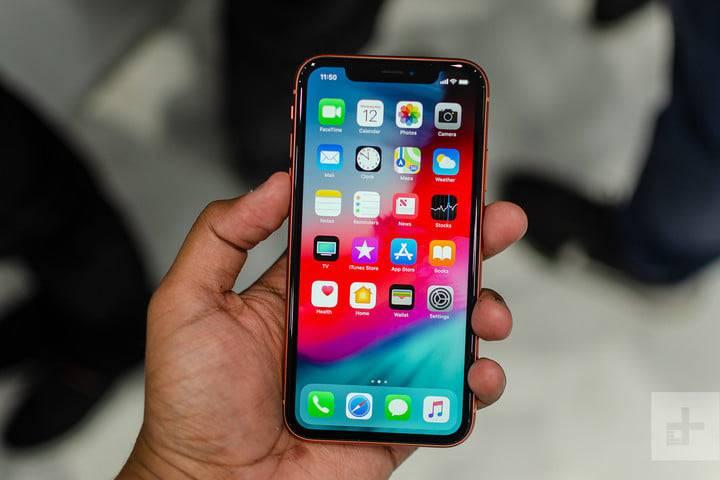 apple-iphone-xr-hands-on-13-720x720 5 دلیل برای دوست داشتن یا متنفر بودن از آیفونهای 2018