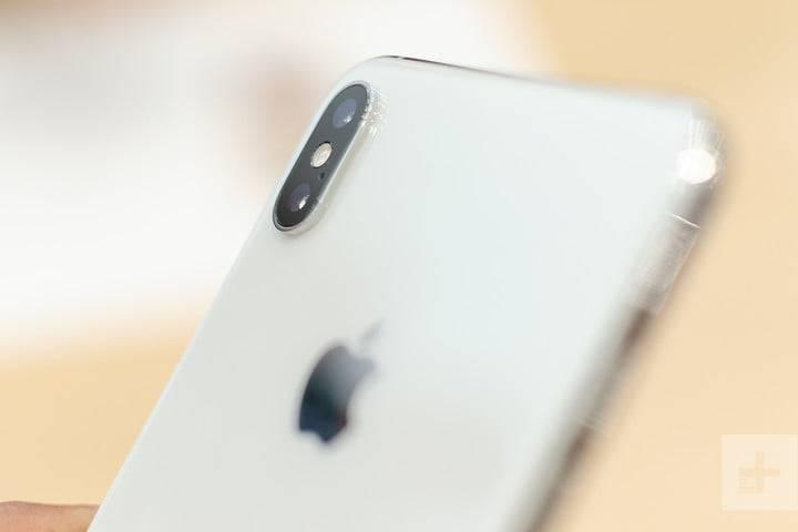 apple-iphone-xs-max-hands-on-2-720x720 5 دلیل برای دوست داشتن یا متنفر بودن از آیفونهای 2018
