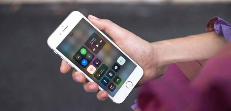 ios-11-control-center-bluetooth-wifi-740x493 روشهايي براي كاهش مصرف باتري در آيفونهاي اپل (iOS 12)
