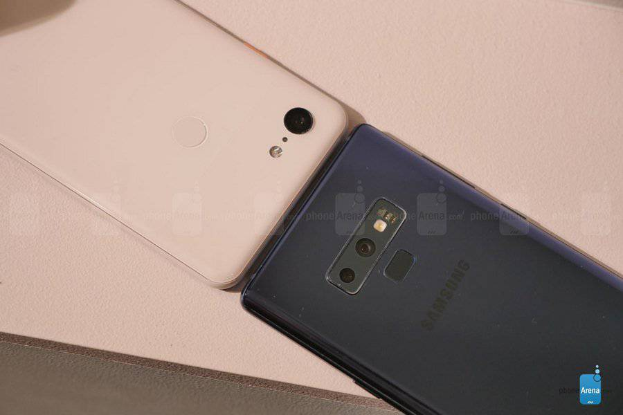Google-Pixel-3-XL-vs-Samsung-Galaxy-Note-9-first-look-12-of-15-Copy مقایسه اولیه پیکسل 3 ایکس ال و گلکسی نوت 9؛ جویای نام و صاحبنام!
