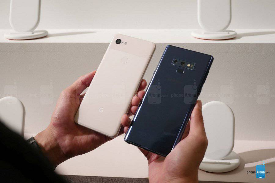 Google-Pixel-3-XL-vs-Samsung-Galaxy-Note-9-first-look-7-of-15-Copy مقایسه اولیه پیکسل 3 ایکس ال و گلکسی نوت 9؛ جویای نام و صاحبنام!
