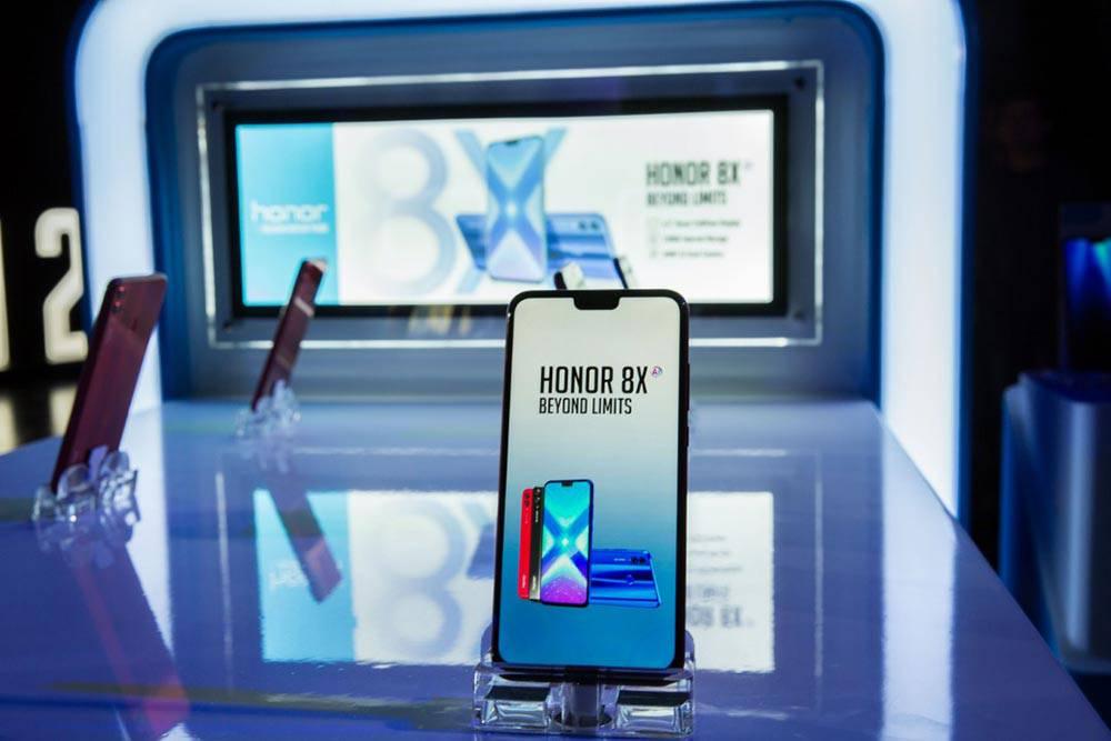 HONOR-8X-3 آنر 8x میانرده مجهز به امکانات گوشیهای پرچمدار در خاورمیانه معرفی شد