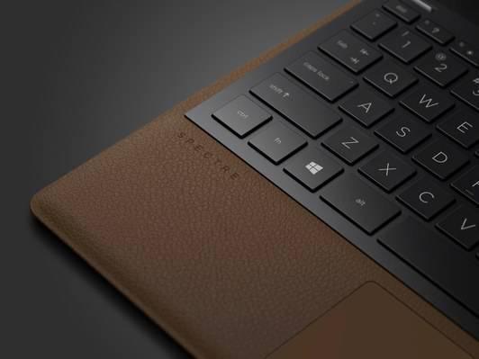 HP-Leather-Inline2 تولید لپتاپ چرمی توسط کمپانی اچپی با نام Spectre Folio