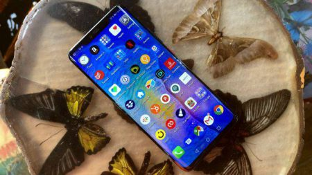 Huawei-Mate-20-Pro-Preview-Mojtaba-12-450x253 بررسی اولیه میت 20 پرو هواوی: قاتل پرچمداران!