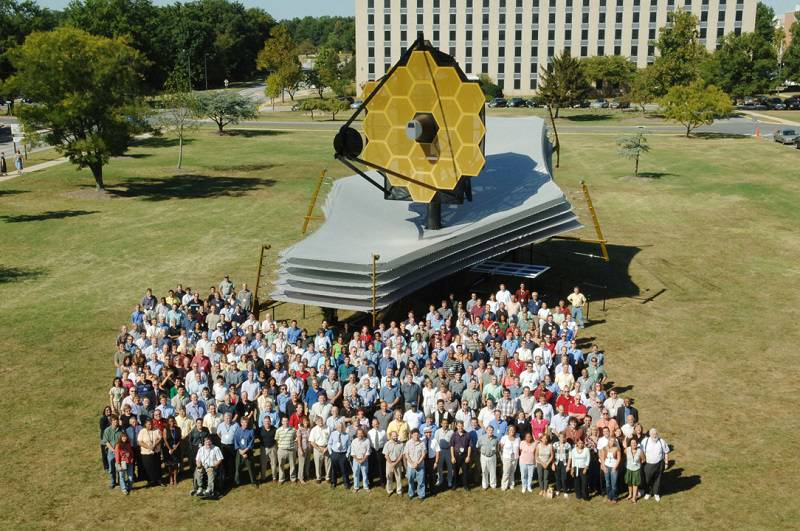 JWST_people خرابی ژیروسکوپ هابل، تلسکوپ فضایی را در وضعیت ایمن قرار داد