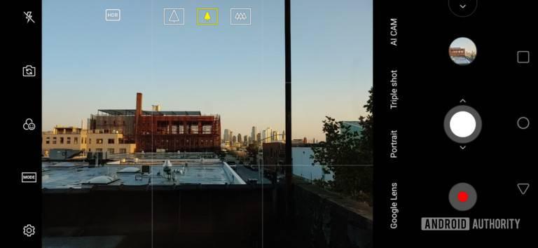 LG-V40-ThinQ-viewfinder 5 چیزی که موجب برتری دوربین سهگانه الجی V40 در مقابل هواوی P20 پرو شده است!