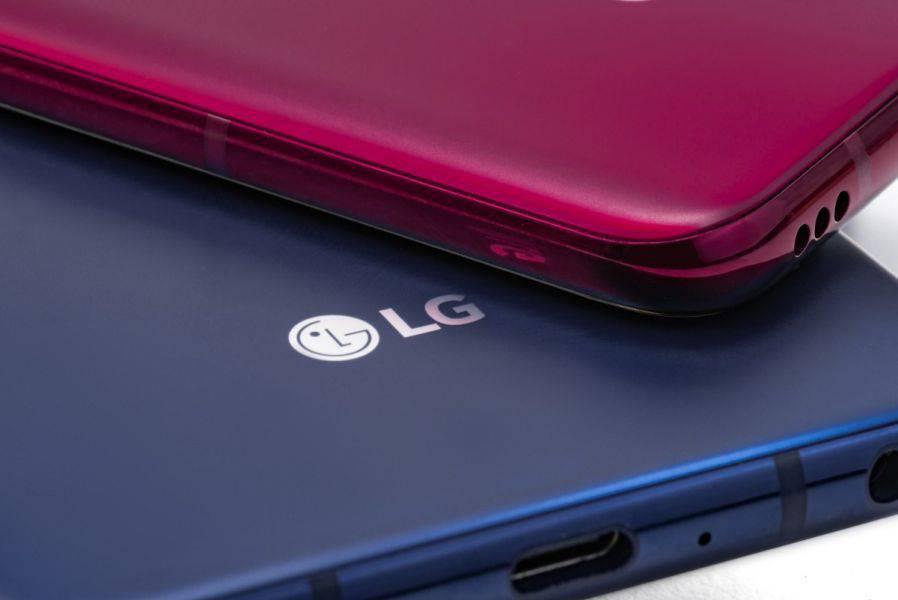 LG-V40-in-pictures-2 الجی V40 ThinQ با پنج دوربین رسما معرفی شد!