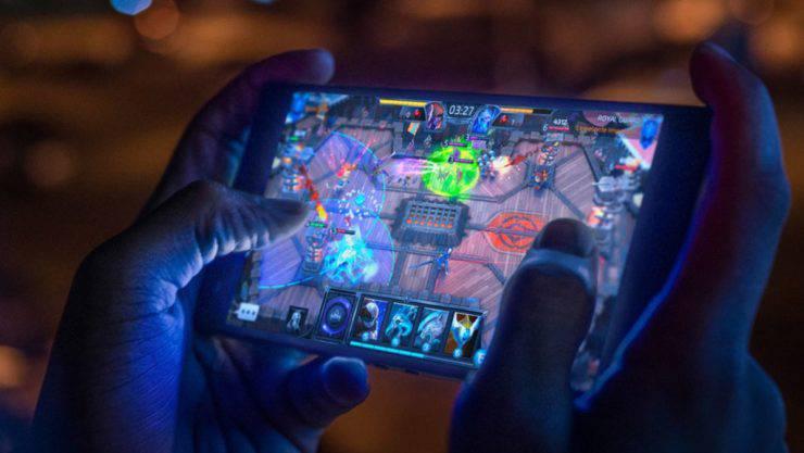 Razer-Phone-2-1 ریزر فون 2 به عنوان نسل دوم گوشیهای گیمینگ کمپانی ریزر رسما معرفی شد