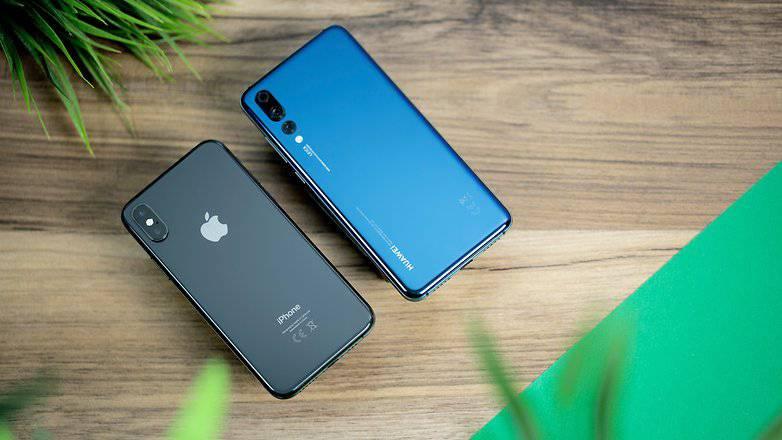 iPhone_XS_vs_Huawei_P20_Pro_04b-w782 از اپل تا اوپو: کدام برند اسمارتفون دارای بزرگترین پایگاه طرفداران وفادار است؟