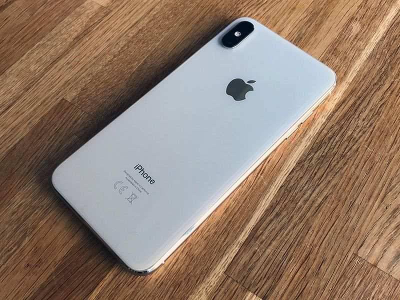 iphone-xs-max-design ۴ دلیل برای اینکه آیفون XS مکس را بخریم؟
