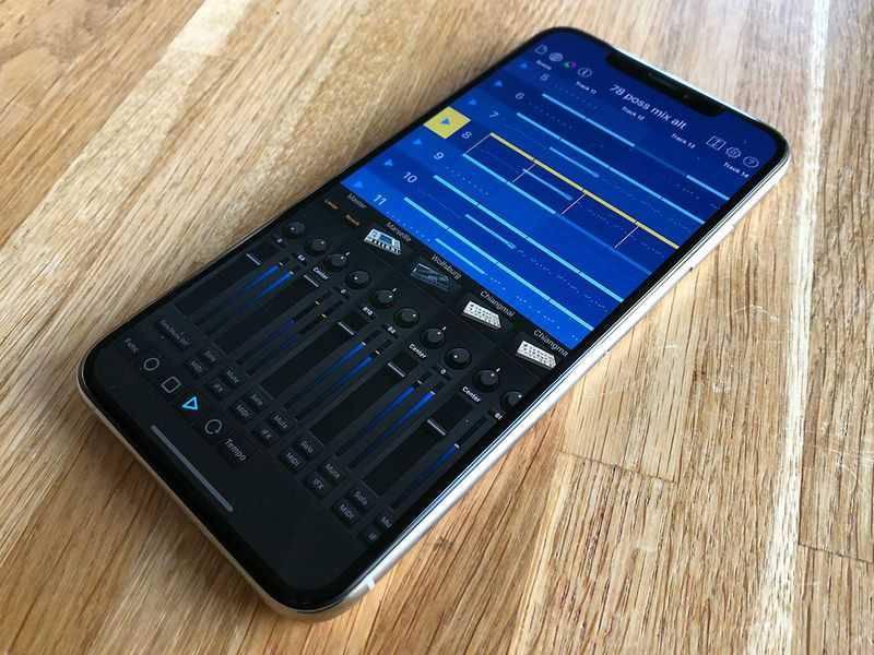 iphone-xs-max-power-korg-gadget ۴ دلیل برای اینکه آیفون XS مکس را بخریم؟